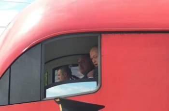 Борисов подкара влака за Бургас