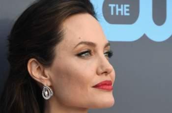 СНИМКА на Анджелина Джоли шокира света, мрежата в потрес