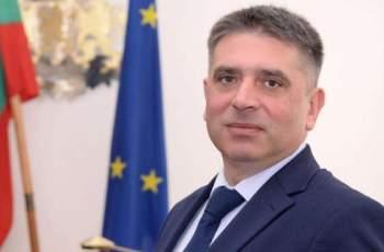 Кирилов хвърля оставка, ако мониторингът не падне