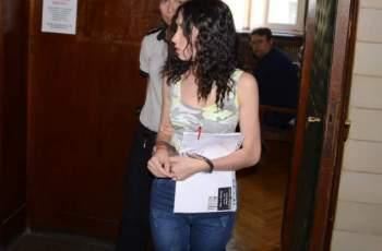 Банда молдовки ограбила 10 млн. от къща