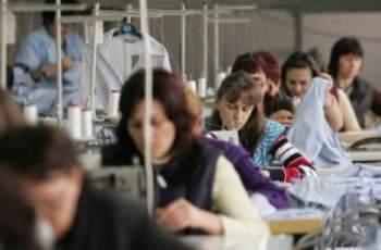 Глад за работна ръка! Усилено търсят шивачки в Подбалкана