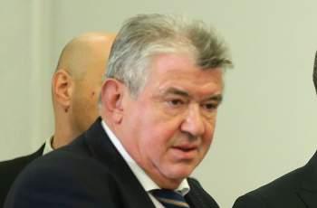 Отхвърлиха оставката на шефа на НЕК Петър Илиев