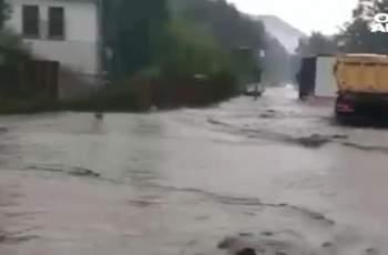 Бедствено положение в Котел, градът е под вода СНИМКИ