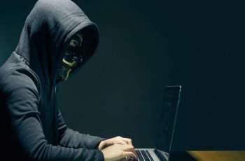 Хакер атакува родните звезди! Ето кой се оплака последно