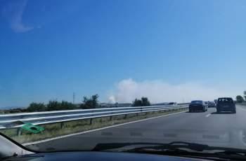 Пожарът в Шишманци още бушува СНИМКИ