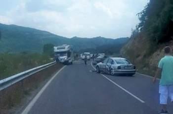 Катастрофа затвори пътя към Маказа, има жертва