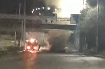 БМВ пламна на Коматевския, шофьорът избяга ВИДЕО