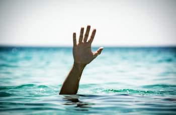 Спасиха жена в инвалидна количка от удавяне ВИДЕО