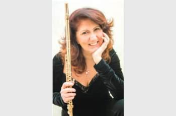 Златната флейта на Луиза Село свири за Съединението