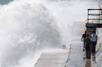 Опасност: 3-метрова вълна залива Черноморието
