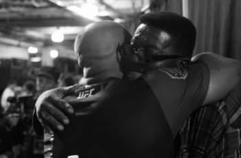 Голям шампион загуби баща си и просълзи света с послание
