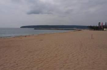 Обърнаха роден емблематичен плаж на сметище