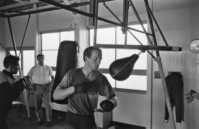 Руди Люберс по време на тренировка в Олимпийското село в Токио, 1964 г.