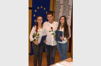 Наградиха гимназистки, инициирали акция за почистване