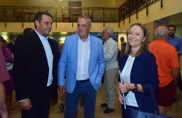 """Албумът """"Филипополис"""" събра президент и трима кандидати за кмет  СНИМКИ - 8"""