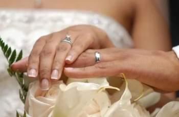 Гола сватбена СНИМКА на младоженци изчерви мрежата