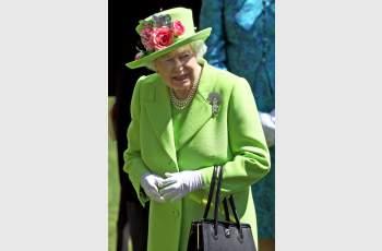 Нещо страшно се случва с Елизабет II