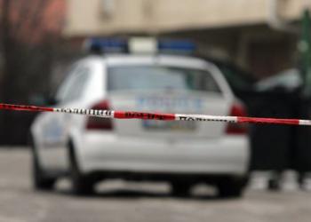Двама поломиха ресторант, взеха колата на собственика
