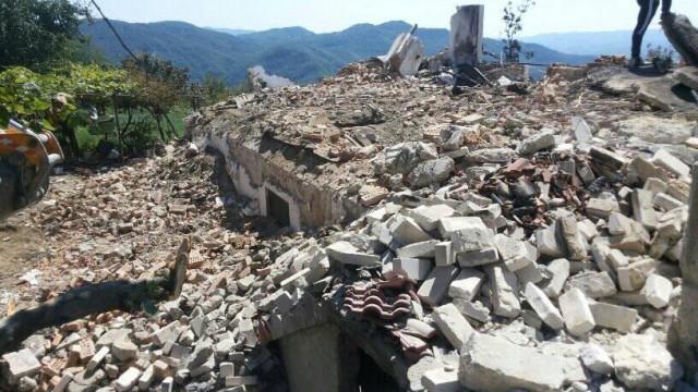 Село вдигна с дарения изгоряла къща за три месеца - 0