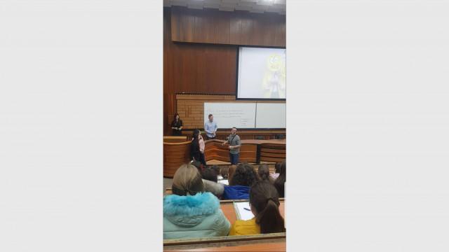 Ученици от смолянска гимназия бяха хонорувани преподаватели в ПУ-Пловдив - 1