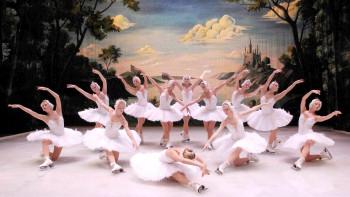 "Руски шампионки играят ""Лебедово езеро"" на кънки"