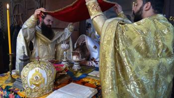 Епископ Яков въдвори нов свещеник в Хаджиево