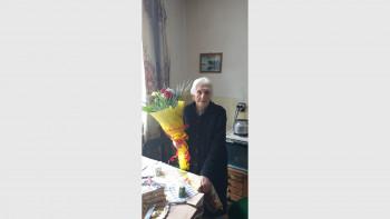 Столетницата баба Ивана: Тайната на дългия живот е работа