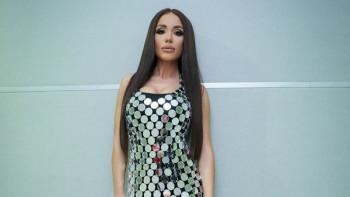 Ад в поп-фолка: Чалга певица окраде колежка СНИМКИ