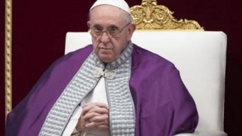 Папата предупреди: Християнството отслабва!