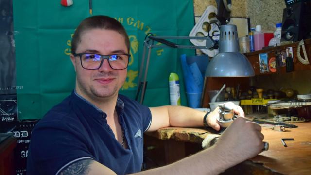 Оник Марукян вплете косите на Венера в пръстен - 0