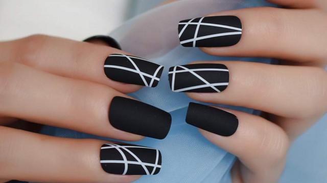 Матови нокти и блясък - хит при маникюра - 0