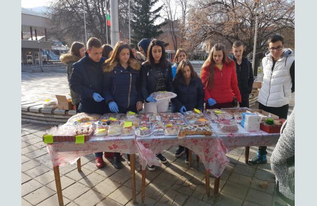 Ученици събраха 725лв. за Хитрино и местно дете в нужда