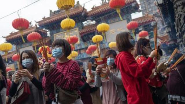 Китай празнува въпреки смъртоносния вирус