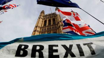 Важно! Какво се случва с българите в UK след Брекзит