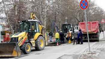 """Разкопаният бул. """"Александър Стамболийски"""" - затворен и днес"""
