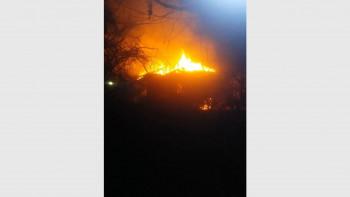 Пожар изпепели къща зад старата автогара