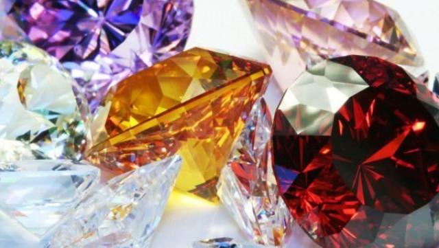 Кои скъпоценни камъни носят щастие на всяка ЗОДИЯ
