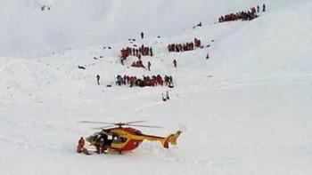 Две деца са загинали от лавината в Алпите, 20 в неизвестност
