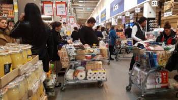 Ще изчезнат ли хлябът и брашното от магазините?