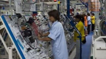 """""""Язаки"""" спира работа до 5 април, БЧК носи храна на тираджите от колоната"""