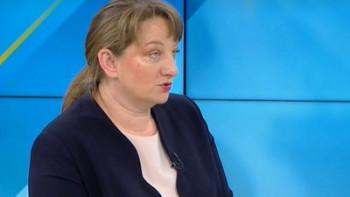 Министър Сачева: 3200 души намериха работа при извънредното положение
