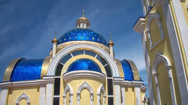 """Камбаните на църквата """"Св. Николай"""" зазвъняха за надежда и подкрепа ВИДЕО"""
