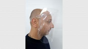 Печатница дарява маски на лекари и полицаи