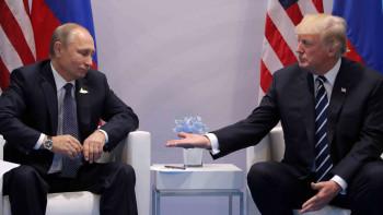 Тръмп и Путин обсъдиха световните мерки срещу коронавируса
