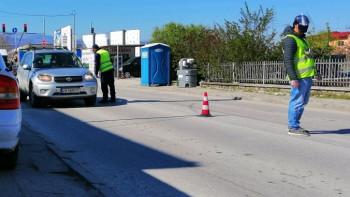 700 коли на ден минават през КПП-то до Коматево, всички - с декларации СНИМКИ