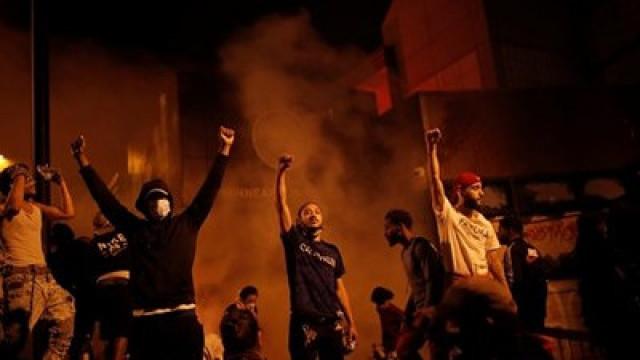 Бунт в САЩ заради насилието над чернокожите