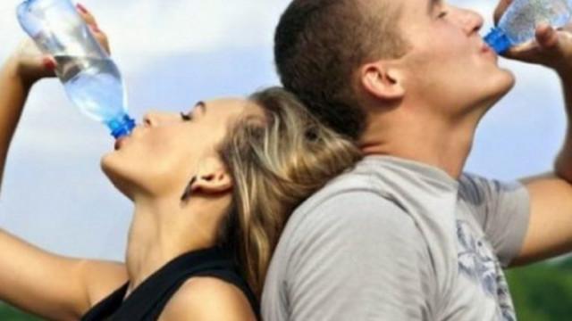 Шест признака, че пиете прекалено много вода