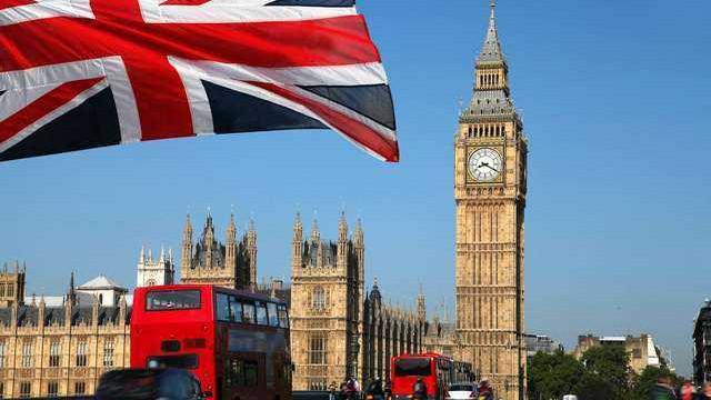 Великобритания попари всички българи! Въведе страшно ограничение