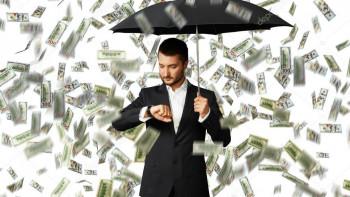 Портфейлите на 5 зодии се пръскат от пари през юли