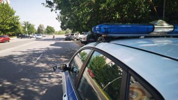 Арестуваха шофьор, опитал да пробута преправена книжка на полицаите